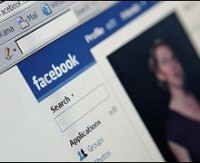 Açığı bulan bir kişi, küçük bir eklenti ile sosyal ağlara girmenin yolunu gösteriyor.