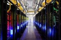 Dev arama motoru Google, sunucularını yer altında gizleyerek, rakiplerinden koruyor.