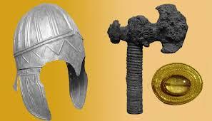 2 bin 200 yıllık mezarda hazine