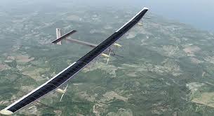 Güneş enerjisiyle çalışan uçak havalandı