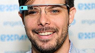 Google Gözlük'le göz kırparak fotoğraf çekin