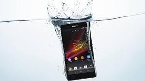 Akıllı telefonunuz suya düşerse bunları yapın
