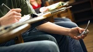 Akıllı telefonlar okuldan soğutuyor