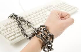 İnternet yasası'nda geri adım!