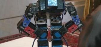 Bu da namaz kılan robot