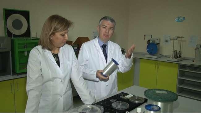Dekan Özer Göktepe ve Bölüm Başkanı Fatma Göktepe, Amerika'da katıldıkları araştırmada ekipleri ile birlikte bir buluşa imza attı.