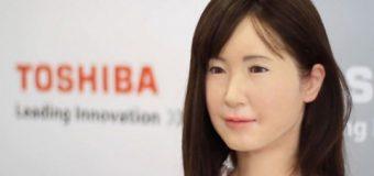 Toshiba yeni robotunu tanıttı