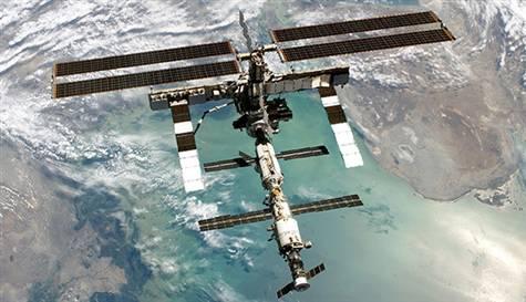 uzayda-sebze-uydu