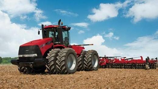 Tarlaları otopilotlu traktörler sürecek
