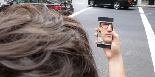 NOPHONE-selfie