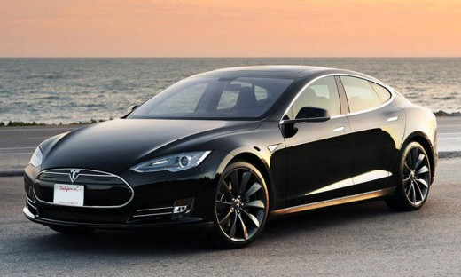 Tesla-Model-S-Black-elektrikli-araba