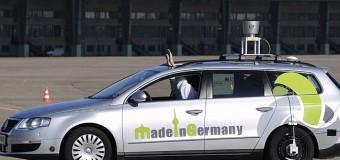 Almanya sürücüsüz otomobil için adımı attı