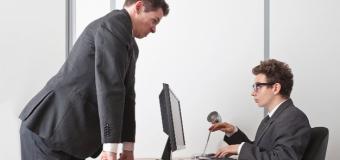 Patronunuz özel mesajlarınıza bakabilir!
