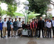 Liseliler Palmiye görünümlü solar şarj istasyonu yaptı