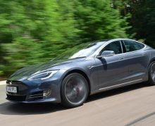 Tesla, elektrikli otomobillerini sadece bir yazılım güncellemesi ile hızlandırıyor