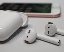 Apple'ın kablosuz kulaklığı Airpods Türkiye'de!