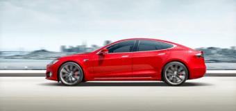 Elektrikli araba Tesla Model S'ten inanılmaz hız rekoru