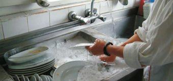 Bilim insanları: Bulaşık yıkamak sağlığa faydalı