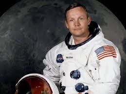Neil Armstrong'un eşyaları satışta