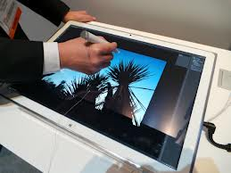 Panasonic'in cep yakan dev 4K tablet