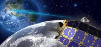 NASA'nın aracı Ay'a çarptı