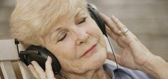 Müzik yaşlılarda hafızanın körelmesini sağlıyor