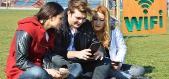 İzmir meydanlarında ücretsiz internet