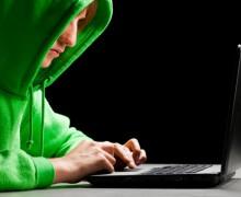 CIA'in iPhone ve MacBook'ları Nasıl Hacklediğini Açıklandı
