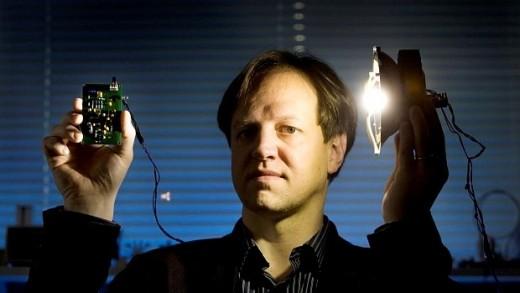 """Bir saniyede 18 film indirebilecek teknoloji """"Li-Fi"""""""