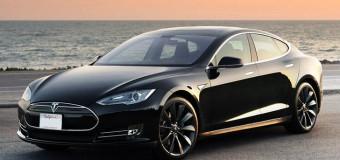 Tesla sürücüsüz arabalar 2018'de otoyollarda