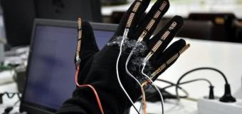 Görme engelliler için akıllı eldiven