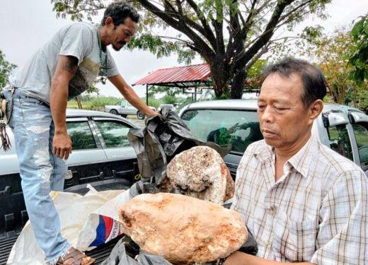 Tayland'lı bir balıkçı sahilde 250 milyon TL değerinde ambergris buldu
